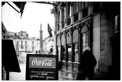 DSCF4684.jpg (srethore) Tags: street bw candid people noiretblanc photoderue meike 35mm