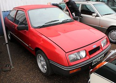 862 MW (Nivek.Old.Gold) Tags: 1984 ford sierra 16 l 3door aca
