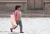 Dans la rue - Sucre (jmboyer) Tags: bo0194 bolivie bolivia travel ameriquedusud canon voyage ©jmboyer nationalgeographie potosi portrait canon6d yahoophoto géo yahoo photoyahoo face visage flickr photos southamerica sudamerica photosbolivie boliviafotos bolivien bolivienne tribal canonfrance eos nationalgeographic googlephotos