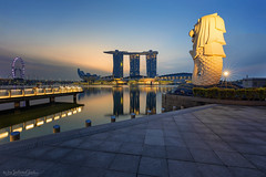 MERLION PARK (ChieFer Teodoro) Tags: canon 6d 1635mm gitzo arca swiss lee filter graduated neutral density landscape cityscape blue hour merlion park marina bay sands singapore flyer sunrise