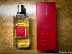 Guerlain - Habit Rouge - seit 1965 (Laterna Magica Bavariae) Tags: produktfotografie parfum parfüm eau de toilette edt edp duft