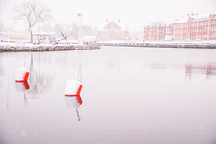 Winter by the marina (Maria Eklind) Tags: spegling reflection oskarshamn badholmen hamn winter småland småbåtshamn sweden outdoor marikna weather vinter snow kalmarlän sverige se