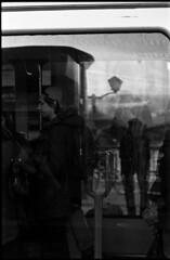 Silhouettes, à l'Ouest (Rachelnazou) Tags: caffenol blackwhite minolta film analog argentique ilford
