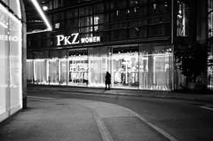 move out in the dark (gato-gato-gato) Tags: 35mm ch contax contaxt2 iso400 ilford ls600 noritsu noritsuls600 schweiz strasse street streetphotographer streetphotography streettogs suisse svizzera switzerland t2 zueri zuerich zurigo z¸rich analog analogphotography believeinfilm film filmisnotdead filmphotography flickr gatogatogato gatogatogatoch homedeveloped pointandshoot streetphoto streetpic tobiasgaulkech wwwgatogatogatoch zürich black white schwarz weiss bw blanco negro monochrom monochrome blanc noir strase onthestreets mensch person human pedestrian fussgänger fusgänger passant sviss zwitserland isviçre zurich autofocus