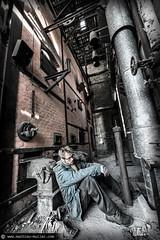 mon puit sans fond (Mathieu Muller) Tags: autoportrait selfportrait urbex sale dirty grandangle usine factory abandonné abandoned wwwmathieumullercom wideangle mathieumuller