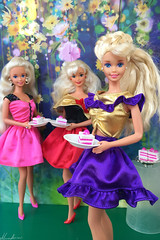 Steppin Out Barbie, 25 Walt Disney World Barbie, Russell Stover Barbie (alenamorimo) Tags: barbie barbiedoll dolls flowers cake barbiecollector superstar