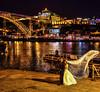 Novios en oporto (puma3023) Tags: portugal oporto boda novios posado rio duero luces reflejos puente