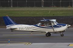 PH-SBM Cessna F.172N Sand Air @ Rotterdam 10-feb-2018 by Johan Hetebrij (Balloony Dutchman) Tags: phsbm cessna f172n sand air f172 c172 172 ehrd rtm aircraft airport 2018 rotterdam