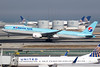 HL8041 / Korean Air Lines / Boeing 777-3B5(ER) (Charles Cunliffe) Tags: canon7dmkii aviation sanfranciscointernationalairport ksfo sfo koreanair kal ke boeing777 777300er hl8041