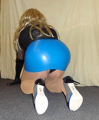 DSC02883 (Mandy Buffalo) Tags: kg kurt geiger highheels heels high heel higheels stilettos stiletto skirt corsage
