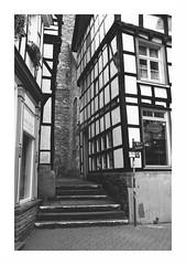 hattingen - historic center (ralfdaenicke) Tags: hattingen ruhrgebiet ruhrpott germany deutschland nrw altstadt oldtown city stadt timbered fachwerk pentax k3 blackandwhite blackwhite bw monochrome