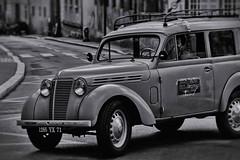 Renault Juvaquatre (Eric@focus) Tags: nikanalogefexpro2 car vintage renault autun france effect enhanced manipulated 50s juva4 neroametà noiretblanc
