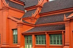 Bangkok X (ValterB) Tags: seasia bangkok nikkor nikon nikond90 thailand travel building architecture facadelines shadow abstract tiles shapes geometrical valterb valter