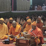 "Guru Puja 2018 _ 01 (9) <a style=""margin-left:10px; font-size:0.8em;"" href=""http://www.flickr.com/photos/47844184@N02/39588243401/"" target=""_blank"">@flickr</a>"