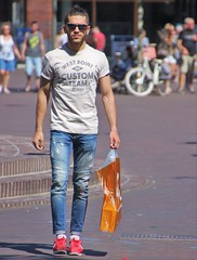 IMG_0815 (Skinny Guy Lover) Tags: outdoor people candid casualclothes dressedcasually guy man male dude jeans bluejeans walking nikes nikeshoes nikesneakers muscular sunglasses slender