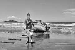 Brasilien 2017-18 Itapirubà Fischer 6 (rainerneumann831) Tags: brasilien itapirubà strand meer fischer boot bw blackwhite blackandwhite ©rainerneumann