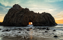 Sunset At Pfeiffer Arch (chasingthelight10) Tags: events photography travel landscapes beaches nature ocean rockformations sunrise sunrises places california pebblebeach bigsur