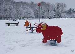 Animals in snow (Zihar Metyrakiel) Tags: neige snow massy belier jeu game kid ram horse cheval