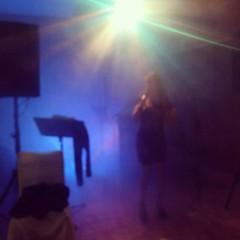 Sigue la fiesta (Fotero) Tags: ifttt instagram musica fiesta cantante losurrutias murcia marmenor duominerva familia
