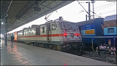 BIA WAP-7 (Abhishek Jog) Tags: bia wap7 30213 departing bilaspur jn powering 0248 hrs late hazrat nizamuddin durg express humsafar nzmdurg bhilai junction towards from nzm abb