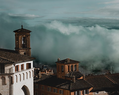 clouds (ELMANCIO) Tags: napoli perugia italia natura nature canon photography portrait lights