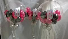 bubbleballon bestickert met 18 en 18 ballonnen erin