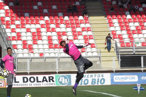 """Curico vs CDUC • <a style=""""font-size:0.8em;"""" href=""""http://www.flickr.com/photos/131309751@N08/25353221487/"""" target=""""_blank"""">View on Flickr</a>"""