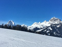Gstaad station this week-end (brice2018) Tags: montagne ciel ski neige snow forêt forest arbre mountain mountains summit suisse sommet life alps alpes france old 7dwf visit visiting holiday weekend sport jo jeuxolympiques alpinisme winter winteriscoming sky cloud sun goodday picoftheday day season trees escape landscape