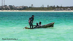 Blu Safari-Malindi-Kenya (3) (johnfranky_t) Tags: barca johnfranky t malindi kenia kenya palme spiaggi villaggio villag tralicci mare oceano indiano