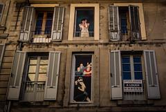 une maison à Avignon-a house in Avignon (jemazzia) Tags: extérieur outside avignon maison house casa huis haus peinture malerei pintura pittura schilderij trompeloeil