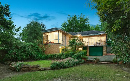 25 McArthur Rd, Ivanhoe East VIC 3079