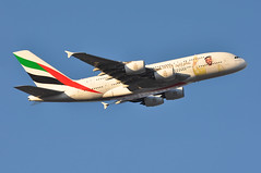 'EK79Y' (EK0030) LHR-DXB (A380spotter) Tags: takeoff departure climb climbout airbus a380 800 msn0211 a6eua زايدعام yearofzayed2018 celebrating100yearssincethebirthofthegreatleader بنسلطانآلنهيان zayedbinsultanzayedalnahyan decals decal stickers sticker 2017 38m longrangeconfiguration 14f76j429y الإمارات emiratesairline uae ek ek79y ek0030 lhrdxb runway09r 09r london heathrow egll lhr