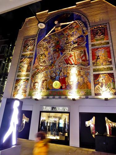 London - Carnaby Street - Feb 2018 - True Religion Mural