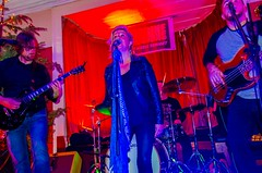 SUPERSKUNKS (coffee robbie..PROTECTED BY PIXSY) Tags: red superskunks live livemusic nikond5100 nikon kitlens youghal themarinebar color colour ireland