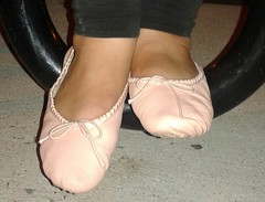 Gigi - (5932) (Duke of Slippers) Tags: ballet slippers shoes pumps footwear fetish ballerinas ballerines soft soles pantofole patoufles