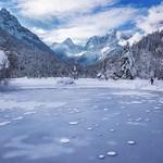 Lake Jasna on a winter day thumbnail
