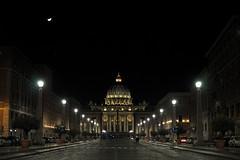 Il Vaticano è avanti (Diego Menna) Tags: vaticano diegomenna roma rome viadellaconciliazione basilica sanpietro