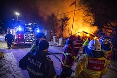 lmh-guldbergsvei016 (oslobrannogredning) Tags: bygningsbrann totalbrann flammer flammehav overtent brann slokkeinnsats brannslokking operativledelse innsatsledelse ilko kommandoplass innsatslederbrann