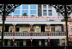 Cape Town, view from the Beer House on Long Street (Sokleine) Tags: beerhouse bierhaus bar pub architecture heritage victorian colonial creole metallic ironwork ferronnerie balcony balcon longstreet capetown lecap southafrica afriquedusud africa afrique