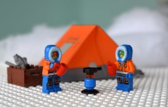 Arctic Explorers (linda_lou2) Tags: 365the2018edition 3652018 day23365 23jan18 23365 365toyproject lego minifigure minifig arctic explorers arcticexplorers tent
