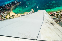 Amazing right turn 💥 (Maxime C-M ✈) Tags: sea beautiful fly travel caribbean netherlands antilles island beach city passion aviation exotic sand tropical photography airplane