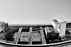 Brasilien 2017-2018 Itapirubá Fischerboot 35 (rainerneumann831) Tags: itapirubá brasilien fischerboot meer strand landscape landschaft bw blackwhite blackandwhite ©rainerneumann mann crislaine