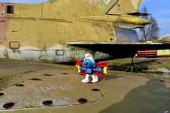 Ich kann fliegen (ingrid eulenfan) Tags: technikmusseumdessau museum technik flugzeug junker motoren schlumpf smurfs fliegen icarus