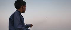 @Varanasi (Karthi KN Raveendiran) Tags: varansi kite ganges travel kid indiankid sport varanasi kasi karthiknraveendiran karthikn cwc chennaiweekendclikers