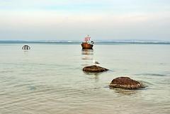 BIN 11 (Wunderlich, Olga) Tags: ostsee binz fischerboot steine möwe sand strand kreidefelsen kreideküste landschaftsbild naturaufnahme winter
