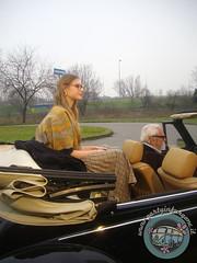 Lui meglio davanti... (partyinfurgone) Tags: affitto shooting cocktail epoca evento furgone maggiolino maggiolone beetle hippie limousine matrimonio milano noleggio promo promozione pubblicità pulmino storico vintage volkswagen vw vogue ucrania modella
