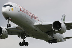 Ethiopian Airlines Airbus A350-900XWB (AMSfreak17) Tags: amsfreak17 danny de soet canon 70d lhr egll london heathrow airport luchthaven vliegtuigen vliegtuig aircraft airplane jet jetphotos planespotting luchtvaart vertrek aankomst departure arrival spotter planes world of airplanes united kingdom great britain europe landing approach runway 27l 09r ethiopian airlines airbus a350900xwb a350900 a350 etaua