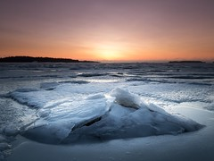 Morning coldness (Jarno Nurminen) Tags: nisi olympus freezing haukilahti espoo finland snow winter gulfoffinland shore sea ice sunrise