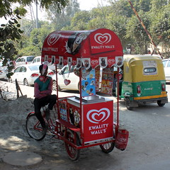 delhi ice cream (kexi) Tags: delhi india asia square foodcart icecream vendor red many various canon february 2017 street instantfave kwalitywalls shade
