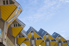 Cube house - unique architecture of Rotterdam (HansPermana) Tags: rotterdam netherlands nederland niederlande zuidholland city cityscape citycenter building architecture modern cube cubehouse